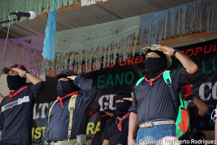 Hundreds of zapatista supporters pay homage May 24, 2014, to their comrade Galeano, assassinated by paramilitary forces on May 2, 2014 in La Realidad village in southern state of Chiapas. Zapatista rebel leaders comandante Tacho and subcomandante Marcos appeared during the homage along with thousands of Zapatistas bases de apoyo and hundreds of people from all over Mexico. Photo by Heriberto Rodriguez