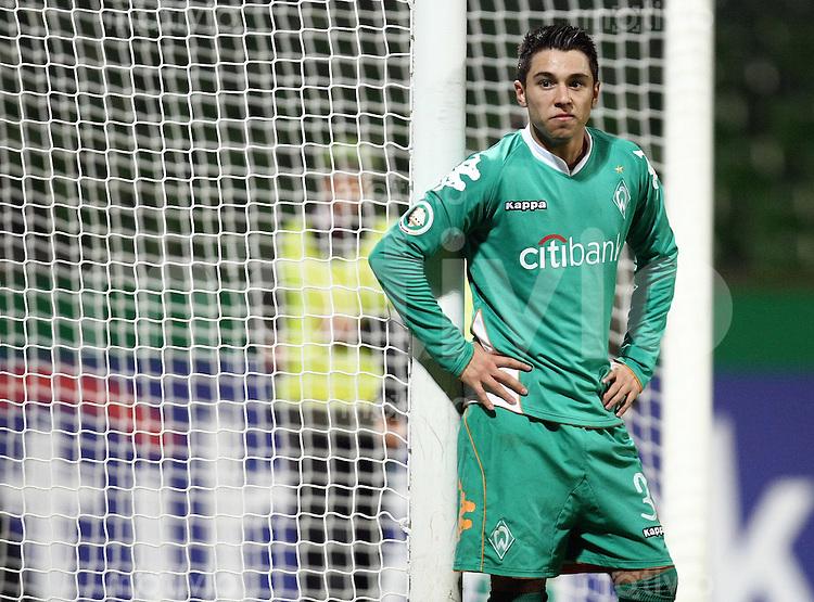 FUSSBALL   DFB POKAL   ACHTELFINALE   SAISON S007/2008 Werder Bremen II - VfB Stuttgart           30.01.2008 Alparslan ERDEM (Bremen) ist enttaeuscht