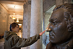 Rubbing George Washington's oft-rubbed nose, WA State Capitol. Good luck?