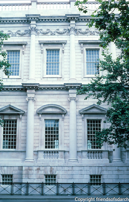 """Inigo Jones: Banqueting Hall, Whitehall 1619. Elevation. The central 3 of 7 bays are separated by columns, as here. The outer 4 by flat pilasters. Whole facade rusticated. Bottom order Ionic; upper, """"composite"""". Photo '87."""