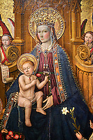 Gothic Catalan Altarpiece of Madonna and Child by Jaume Huguet, circa 1450, tempera and gold leaf on wood, from the parish church of Vallmoll, Alt Camp.  National Museum of Catalan Art, Barcelona, Spain, inv no: MNAC  64066.