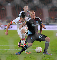 FUSSBALL   EUROPA LEAGUE   SAISON 2012/2013    VfB Stuttgart - FC Kopenhagen   25.10.2012 Vedad Ibisevic (li, VfB Stuttgart) gegen Ragnar Sigurdsson (Kopenhagen)