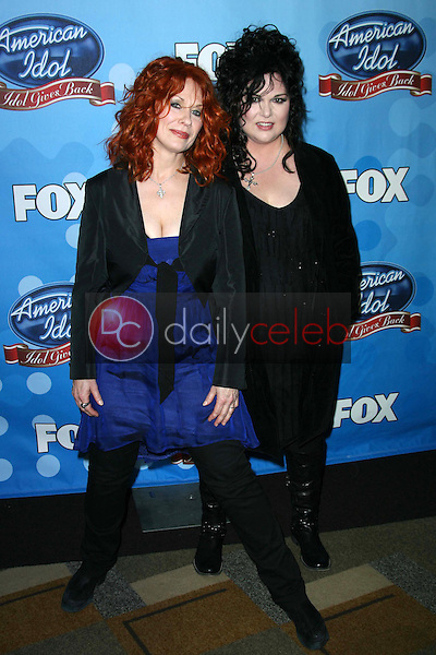 Nancy Wilson and Ann Wilson of Heart<br />