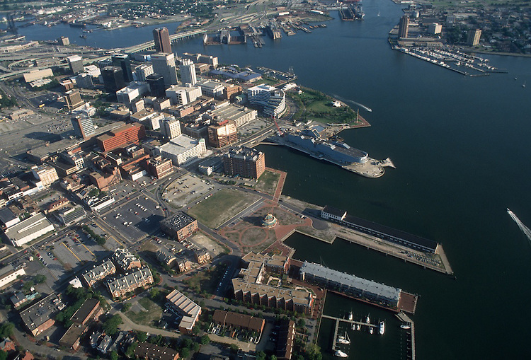 1993 August 20..Redevelopment.Downtown West (A-1-6)..LOOKING SOUTH.OVER FREEMASON HARBOR...NEG#.NRHA#..