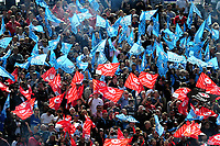 Glasgow Warriors and Saracens fans in the crowd show their support. European Rugby Champions Cup Quarter Final, between Saracens and Glasgow Warriors on April 2, 2017 at Allianz Park in London, England. Photo by: Patrick Khachfe / JMP
