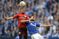 FUSSBALL   1. BUNDESLIGA   SAISON 2012/2013    29. SPIELTAG FC Schalke 04 - Bayer 04 Leverkusen                        13.04.2013 Sidney Sam (li, Bayer 04 Leverkusen) gegen Sead Kolasinac (re, FC Schalke 04)