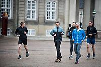 Le roi Philippe de Belgique et le Prince Frederik font du jogging dans Copenhague  lors d'une visite d'Etat au Danemark.<br /> Danemark, Copenhague, 30 mars 2017.<br /> King Philippe of Belgium &amp; Crown Prince Frederik of Denmark, are jogging, during a State Visit to Copenhagen in Denmark.<br /> Denmark, Copenhagen, March 30, 2017.
