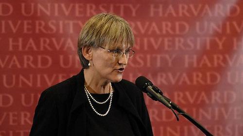 La presidenta de Harvard, Dra. Drew Faust