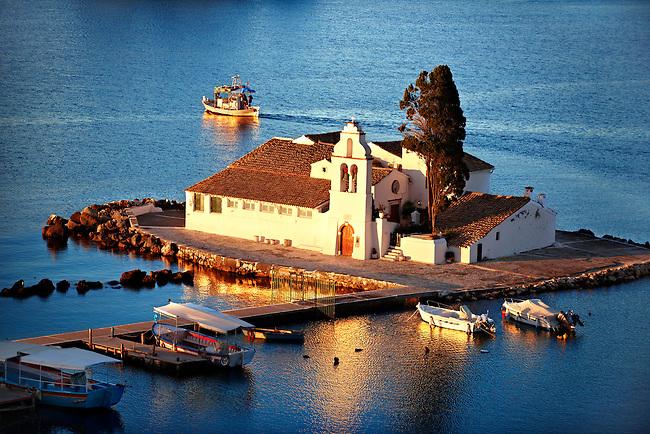 http://cdn.c.photoshelter.com/img-get/I0000zhxyFJkJCUQ/s/650/650/Corfu-Greece-81209.jpg