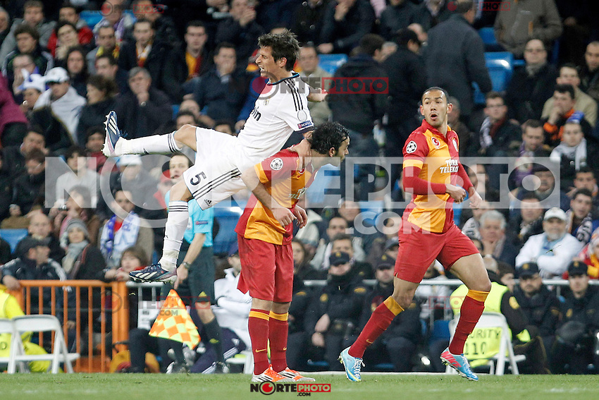 Real Madrid's Fabio Coentrao and Galatasaray's Albert Riera during the quarter final Champion League match. April 3, 2013.(ALTERPHOTOS/Alconada)