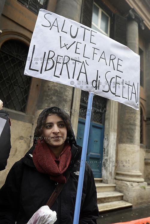 Roma, 8 marzo 2013.nei pressi dell'ospedale san giacomo, chiuso,in via