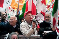 Roma  5  Novembre 2011.Manifestazione Nazionale del Partito Democratico  contro il Govermo Berlusconi..Demonstration  by the Italian main opposition Democratic Party (PD) against Italian prime minister Silvio Berlusconi's government.
