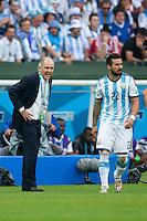 Argentina manager Alejandro Sabella shouts at Ezequiel Lavezzi