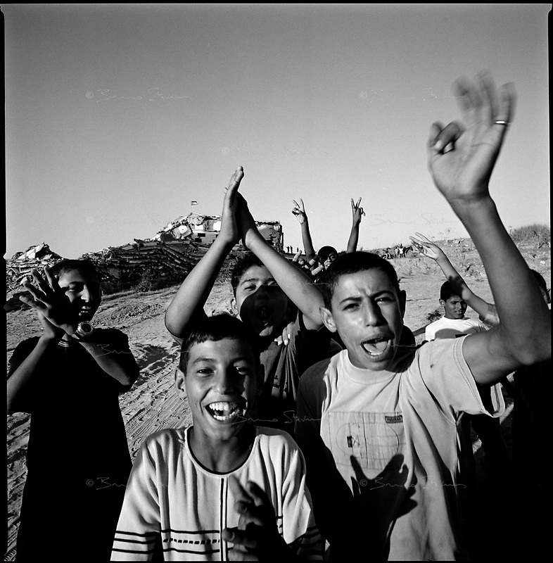 Near Netzarim settlement, Gaza strip, Sept 11 2005.A few hours before Israel final withdrawal from the Gaza strip Palestinians start to rejoice.