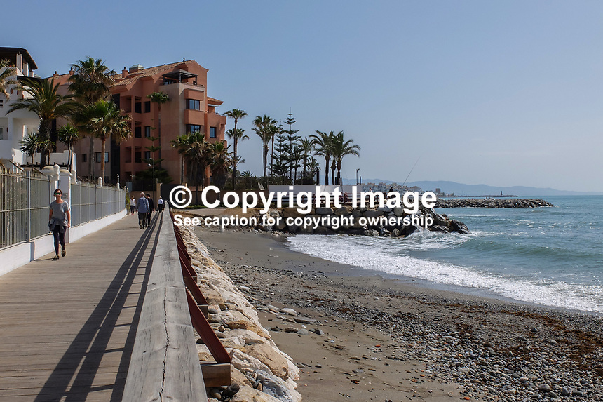 The coastal boardwalk is a very pleasant stroll between San Pedro de Alcantara and Puerto Banus. There&rsquo;s lot of restaurants, caf&eacute;s and bars along the way for refreshment. 23rd April 2017. 201704233501<br />