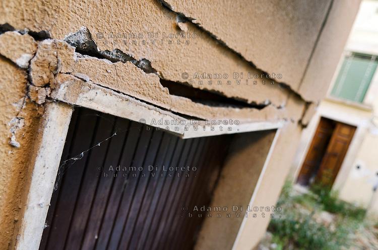 L'AQUILA: NELLA FOTO LA CITTA' DI VILLA SANT'ANGELO DOPO IL TERREMOTO. THE VILLA SANT'ANGELO CITY AFTER THE EARTHQAKE  FOTO ADAMO DI LORETO