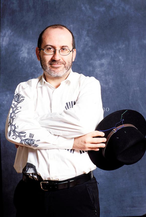 Sandrone Dazieri, all'anagrafe Sandro Dazieri (Cremona, 4 novembre 1964), è uno scrittore e sceneggiatore italiano. Mantova, settembre 2016. Festivaletteratura. © Leonardo Cendamo