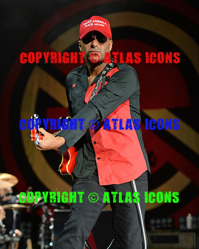 WEST PALM BEACH, FL - OCTOBER 02: Tom Morello of Prophets of Rage performs at The Perfect Vodka Amphitheater on October 2, 2016 in West Palm Beach Florida. Credit Larry Marano © 2016