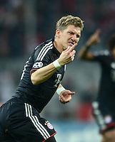 FUSSBALL   CHAMPIONS LEAGUE   SAISON 2012/2013   GRUPPENPHASE   FC Bayern Muenchen - LOSC Lille                          07.11.2012 Jubel nach dem Tor mit Bastian Schweinsteiger (FC Bayern Muenchen)