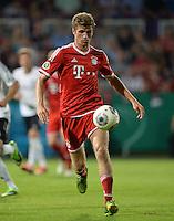 FUSSBALL       DFB POKAL 1. RUNDE        SAISON 2013/2014 in Osnabrueck BSV Schwarz-Weiss Rehden  - FC Bayern Muenchen  06.08.2013 Thomas Mueller (FC Bayern Muenchen) am Ball