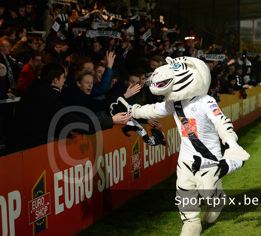 20161217 - ROESELARE , BELGIUM : Roeselare's Snow Tiger mascotte pictured during the Proximus League match of D1B between Roeselare and Cercle Brugge, in Roeselare, on Saturday 17 December 2016, on the day 20 of the Belgian soccer championship, division 1B. . SPORTPIX.BE | DAVID CATRY