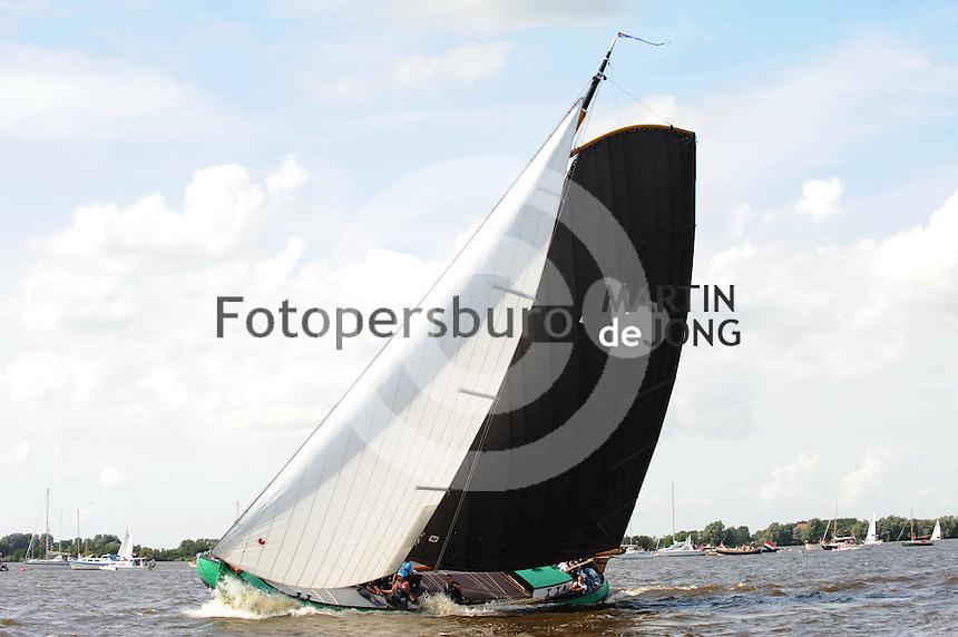 SKUTSJESILEN: : , 2011, SKS skûtsjesilen, skûtsje Sneek, De Sneker Pan, schipper Douwe Jzn. Visser, ©foto Martin de Jong