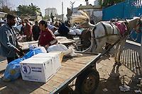 Gaza city, Jan 25 2009.WFP blanket food distribution to the civilian population in Gaza.
