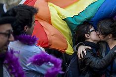 APR 23 2013 France Gay Marriage