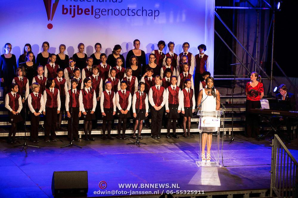 NLD/Utrecht/20140628 - Prinses Beatrix aanwezig bij de viering van 200 jaar Nederlands Bijbelgenootschap, Pearl Jozefzoon