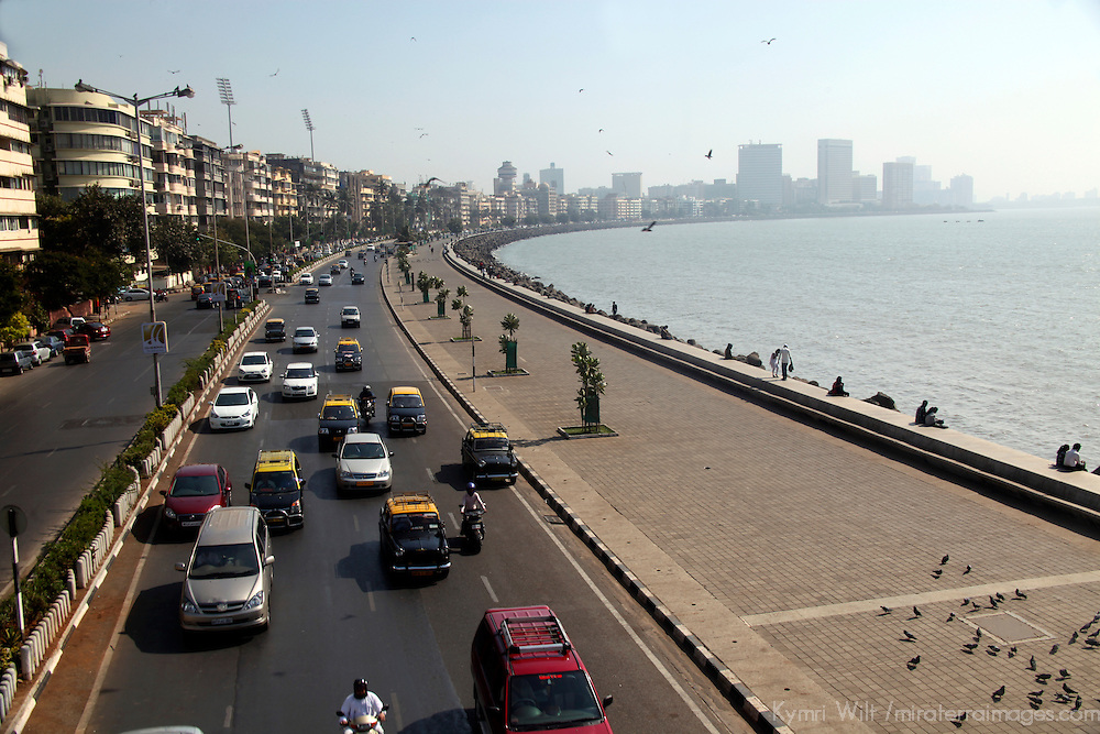 Asia, India, Mumbai. Marine Drive of Mumbai