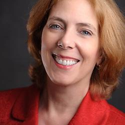 Bonnie Kahn headshot