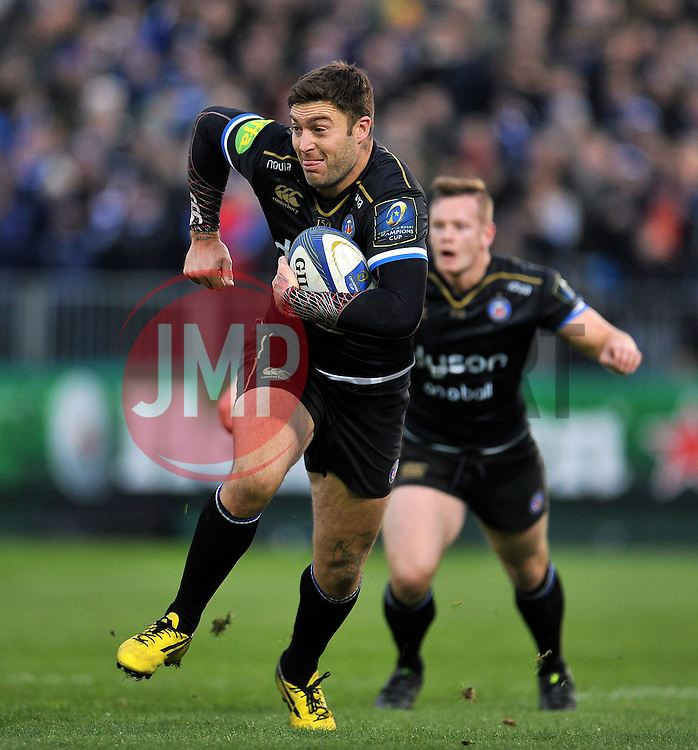 Matt Banahan of Bath Rugby goes on the attack - Mandatory byline: Patrick Khachfe/JMP - 07966 386802 - 21/11/2015 - RUGBY UNION - The Recreation Ground - Bath, England - Bath Rugby v Leinster Rugby - European Rugby Champions Cup.