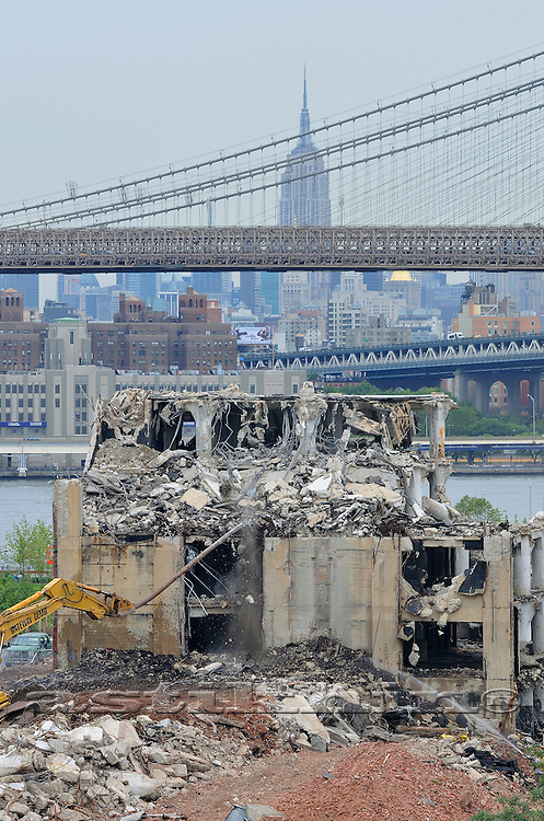 Brooklyn Bridge, Empire State Building and demolition
