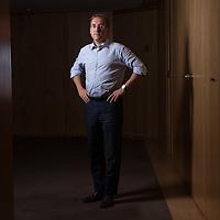 Portrait de Gaël Giraud, Chef économiste de l'AFD (Agence Française de Développement), Directeur de recherches CNRS. Il a participé aux travaux sur la transition énergétique et sur les appels à la réforme du système bancaire.