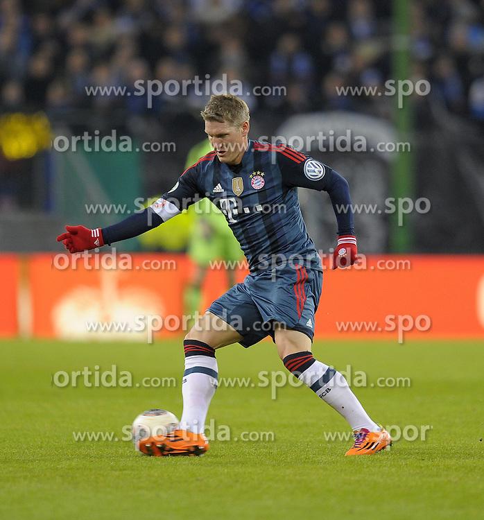 Football: Germany, DFB-Pokal, Hamburger SV - FC Bayern Muenchen, Muenchen, 12.02.2014<br /> Bastian Schweinsteiger (Bayern)<br /> &Acirc;&copy;&Acirc;&nbsp;pixathlon