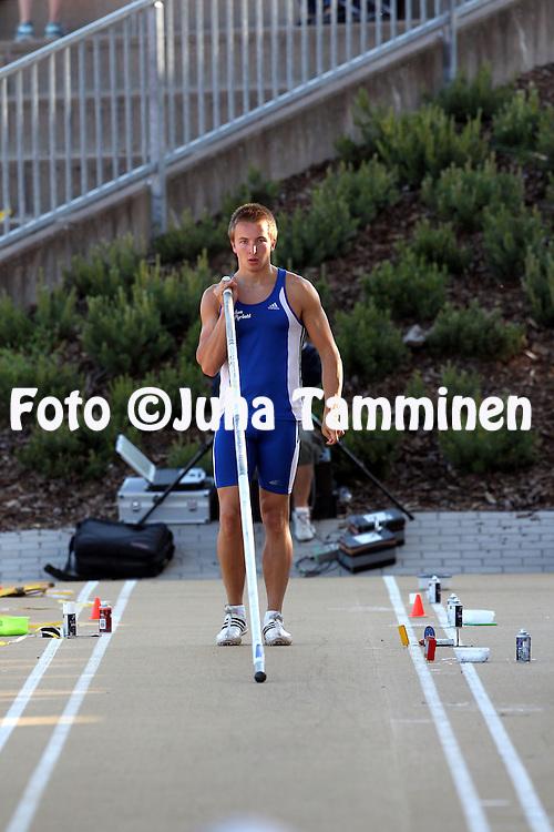 13.6.2012, Paavo Nurmen stadion, Turku..Paavo Nurmen kisat 2012..Miesten seiv?s..Joonas Jokivartio - Oulun Pyrint?