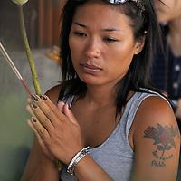 Prayer, Wat Pho, Old City, Bangkok, Thailand