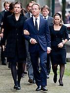 DELFT - Prins Jaime en prinses Viktoria de Bourbon de Parme komen aan bij de Oude kerk voor de herdenkingsdienst voor de op 12 augustus overleden prins Friso. De dienst is besloten. COPYRIGHT ROBIN UTRECHT