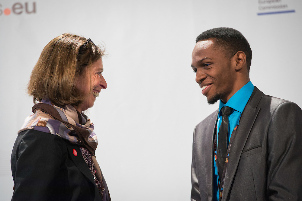 04 June 2015 - Belgium - Brussels - European Development Days - EDD - Health - Realising the right to health for all by 2030 - Time for a paradigm shift towards equity in healthcare - Lydia Mutsch , Minister of Health and Equal Opportunity , Luxembourg - Nicholas Niwagaba , Future Leader © European Union
