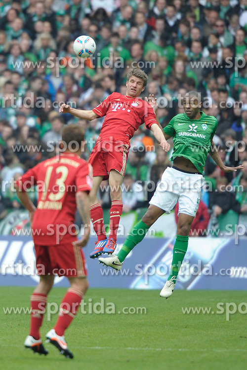 21.04.2012, Weserstadion, Bremen, GER, 1. FBL, SV Werder Bremen vs FC Bayern Muenchen, 32. Spieltag, im Bild NALDO ( Werder Bremen ) rechts, bleibt Sieger im Kopfballduell mit Thomas MUELLER ( FC Bayern Muenchen ) links. // during the German Bundesliga Match, 32th Round between SV Werder Bremen and Fc Bayner Munich at the Weserstadium, Bremen, Germany on 2012/04/21. EXPA Pictures © 2012, PhotoCredit: EXPA/ Eibner/ Stefan Schmidbauer..***** ATTENTION - OUT OF GER *****