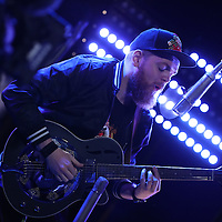 Jack Garratt Performance