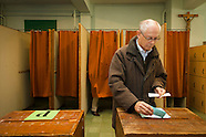 20121015 MR an Mrs Van Rompuy voting