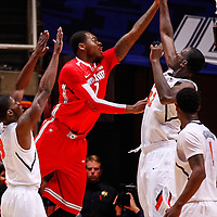 CHAMPAIGN, IL - JANUARY 05: Deshaun Thomas #1 of the Ohio State Buckeyes shoots the ball against Nnanna Egwu #32 of the Illinois Fighting Illini at Assembly Hall on January 5, 2013 in Champaign, Illinois. Ilinois defeated Ohio State 74-55. (Photo by Michael Hickey/Getty Images) *** Local Caption *** Deshaun Thomas; Nnanna Egwu