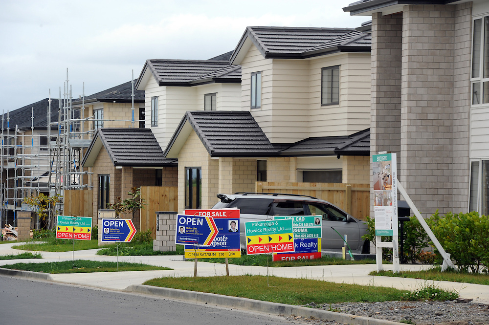 Real eastate, Residential, for sale, Ormiston, Auckland, New Zealand, Saturday, December 13, 2014. Credit:SNPA / Ross Setford