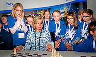 21-1-2015 AMSTERDAM - (M) Princess Laurentien. Prior to the fifth round of the Tata Steel Masters who play today in Science Center NEMO, there was a simultaneous chess place for young people, which was opened by Princess Laurentien. COPYRIGHT ROBIN UTRECHT/ ANDRE DE HEUS <br /> 21-1-2015 AMSTERDAM - (M) Prinses Laurentien. Voorafgaand de vijfde ronde van de Tata Steel Masters die vandaag in Science Center NEMO spelen, vond er een schaaksimultaan plaats voor jongeren, die door Prinses Laurentien werd geopend. COPYRIGHT ROBIN UTRECHT/ ANDRE DE HEUS
