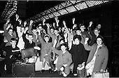 1962 - Gael Linn Scholarship winners leave by train for the Gaeltacht