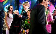 5-9-2016 AMSTERDAM - King William Alexander attends Monday September 5 at Ziggo Dome in Amsterdam jubilee concert by the 50-year Jostiband Orchestra. The orchestra is part of Ipse de Bruggen, an organization caring for 5,000 people with intellectual or multiple disabilities. COPYRIGHT ROBIN UTRECHT<br /> 5-9-2016 AMSTERDAM - Koning Willem Alexander woont maandagavond 5 september in Ziggo Dome in Amsterdam het jubileumconcert bij van het 50-jarige Jostiband Orkest. Het orkest is onderdeel van Ipse de Bruggen, een zorgorganisatie voor 5.000 mensen met een verstandelijke of meervoudige beperking.met zangeres maan  COPYRIGHT ROBIN UTRECHT