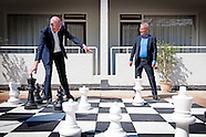 Toon Gerbrands (directeur van PSV) en Eric Gudde (directeur van Feyenoord