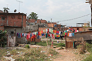 SAO PAULO - 06.10.2012. ANDREA MATARAZZO 45450. O candidato a vereador Andrea Matarazzo, faz caminhada pelo distrito do Parque Anhanguera em Perus, zona norte. São Paulo, Brasil, outubro 06, 2012. DANIEL GUIMARÃES...
