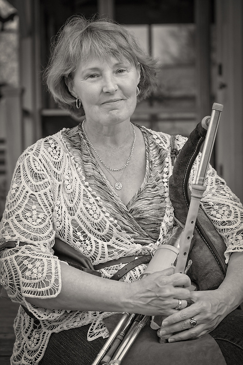 Cathy Wilde on the uilleann pipes.
